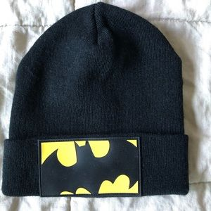 H&M fine knit hat with  Batman appliqué 2-4y